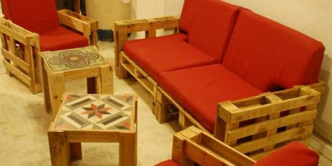 C mo hacer un sill n con material reciclado v deo - Muebles originales reciclados ...