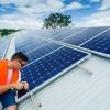 Instalador de paneles solares fotovoltaicos. Un trabajo con futuro: En Estados Unidos, claro.