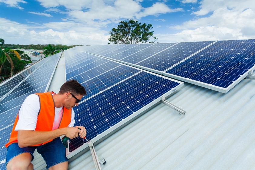 instalador de paneles solares fotovoltaicos un trabajo